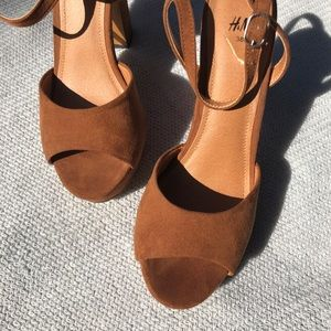 70s Style Camel Colored Heels